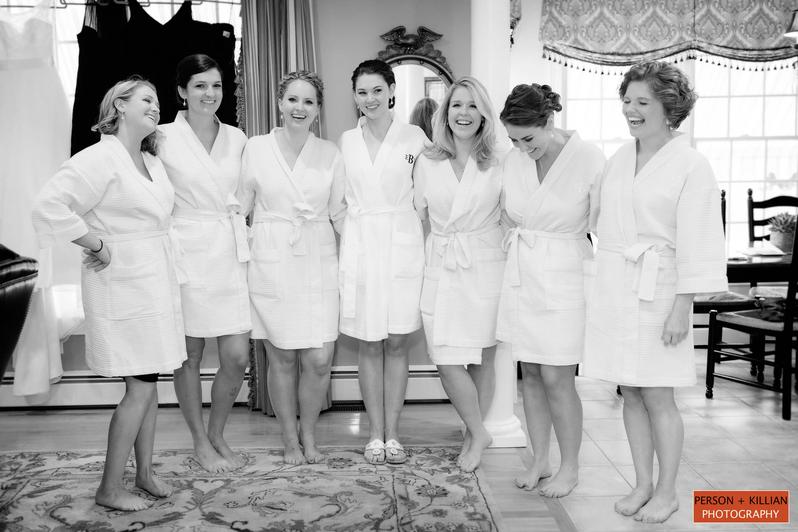 Charlotte Phinney | 5 TIPS TO HELP YOU CHOOSE A BRIDESMAID